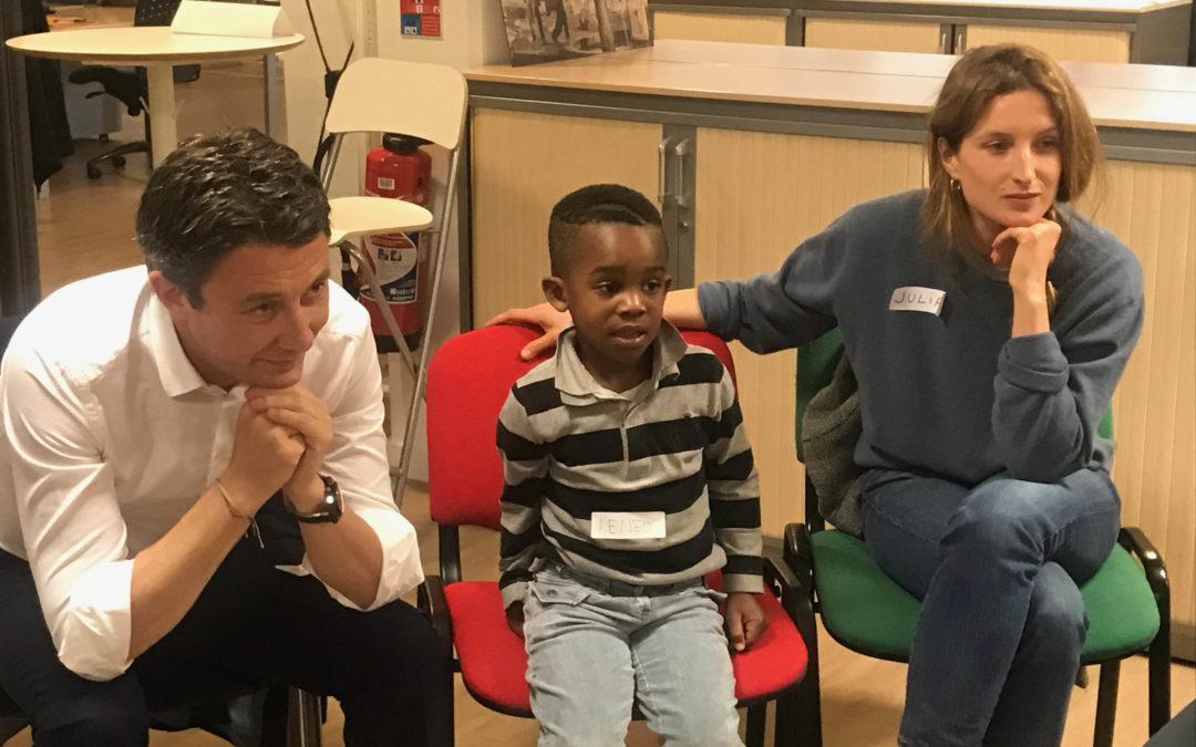 Journée Internationale des Droits de l'Enfant : Benjamin Griveaux et Julia Piaton rencontrent des enfants fragilisés